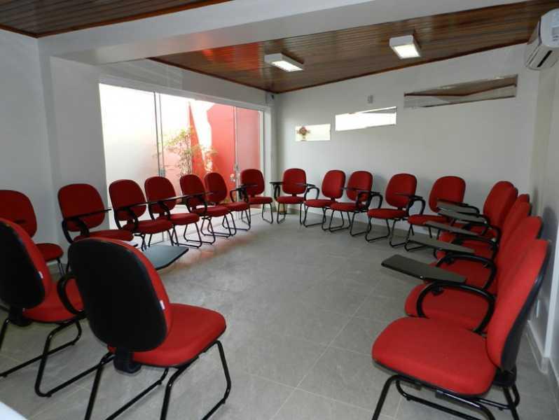 Cadeiras Universitárias com Braço Móvel Residencial Três - Cadeira Universitária com Prancheta