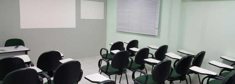 Cadeiras Universitárias com Prancheta Escamoteável Higienópolis - Cadeira Universitária Estofada