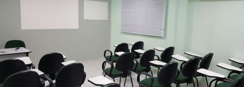 Cadeiras Universitárias com Prancheta Residencial Três - Cadeira Universitária Estofada