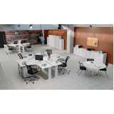 mesa para escritório com gavetas cinza